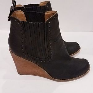 Melrose and Market wedge booties Sz 9.5